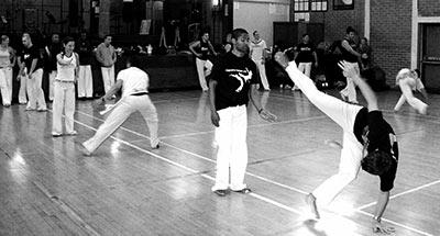 Hoe ziet een capoeiratraining eruit?